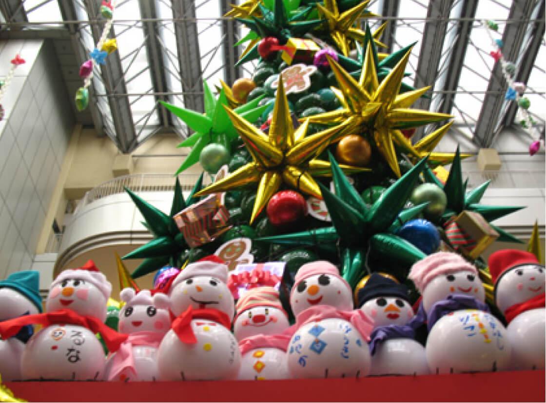 風船でクリスマスツリー!クリスマスパーティーはバルーンで装飾