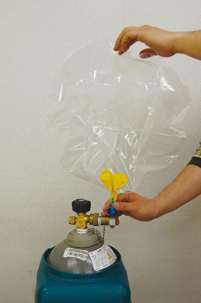 作り方 ヘリウム ガス