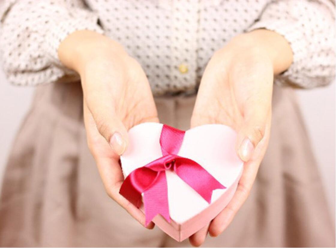 バレンタインのアイデア!チョコとバルーンでプレゼント